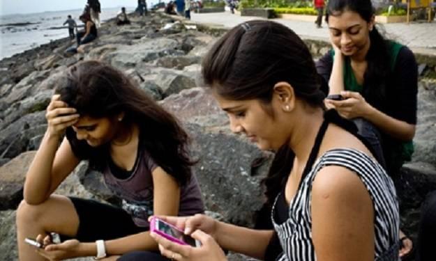 http://www.dailymoss.com/wp-content/uploads/2014/07/Indianstudents.jpg