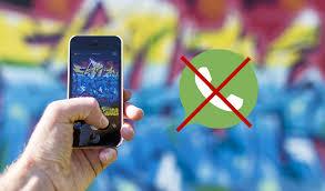 Israel bans whatsapp